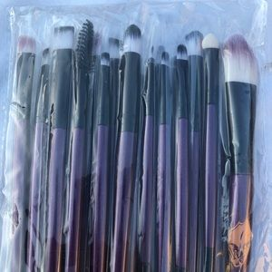 Other - New 20 piece set of Makeup Brushes